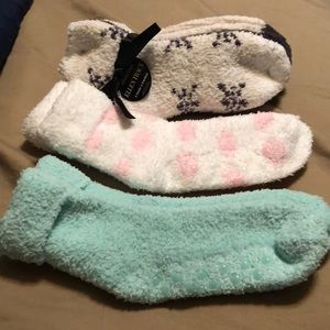 Accessories - Fuzzy warm socks